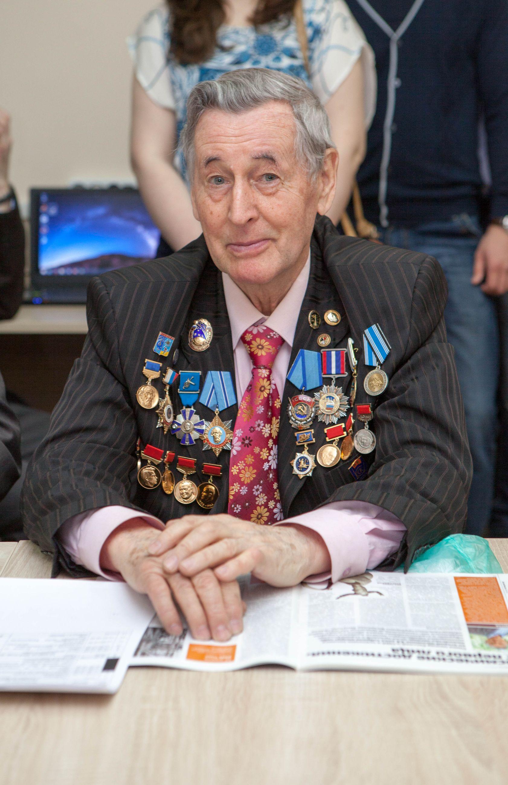 В.Н. Тикунов